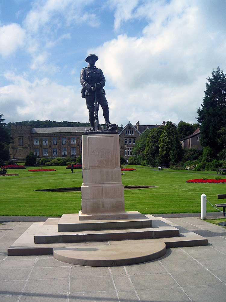 Queens Gardens and War Memorial