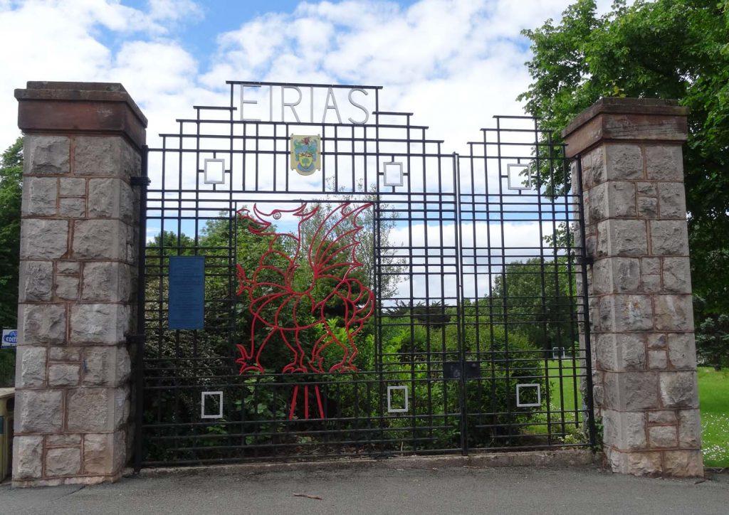 10 Ornamental Gates 01
